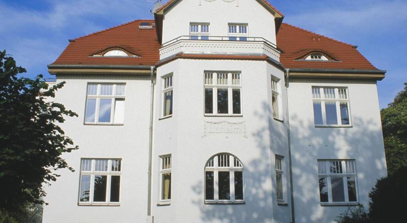 Studio Apartment (2 Adults) - Entrance Villa Daheim - FeWo 03