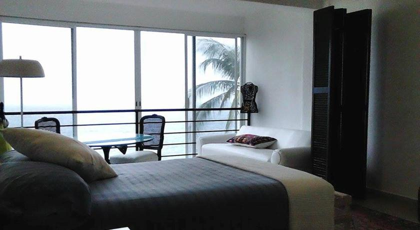 Double Room with Two Double Beds with Private Bathroom - Sea View Donde Mira el Sol