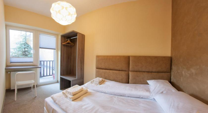 Three-Bedroom Apartment (8 Adults) - Jozefa Street  - Стая за гости Yourplace Kazimierz Apartments