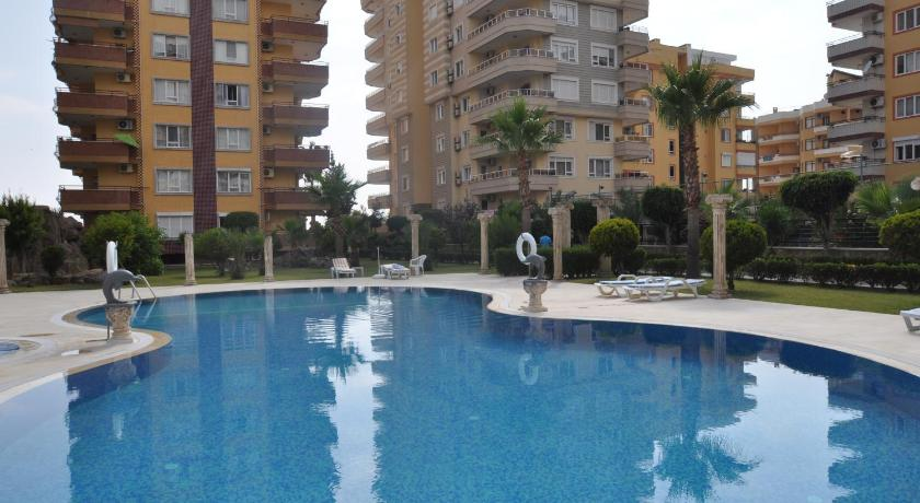 Swimming pool Cebeci Apartments - CedOffice