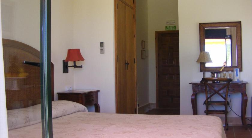 hoteles con encanto en cádiz  322