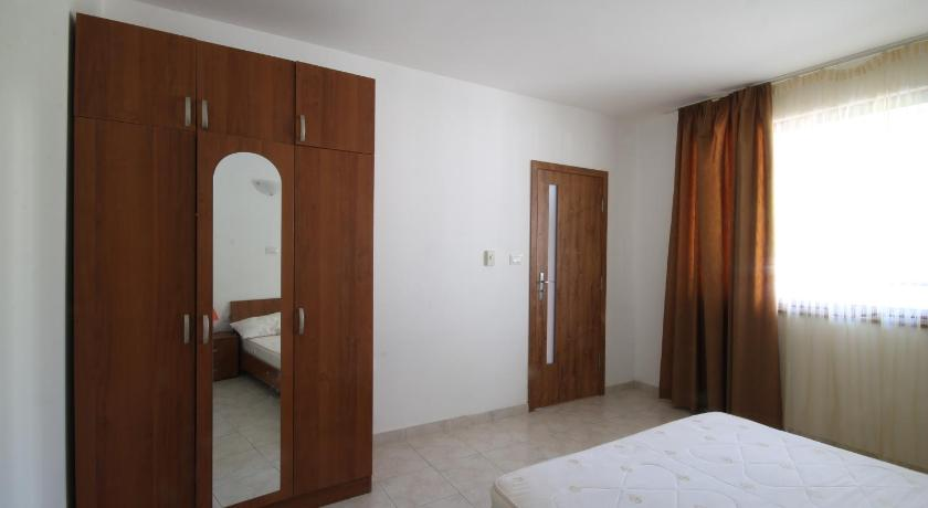 Apartments with Sea View Arendoo in Sun Coast
