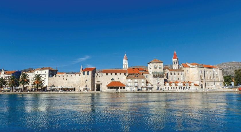 Three-Bedroom Apartment in Trogir