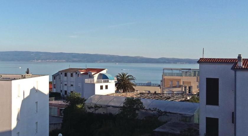 Two-Bedroom Apartment with Sea View in Split