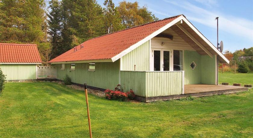 Two-Bedroom Holiday Home Blomstervangen with a Sauna 04