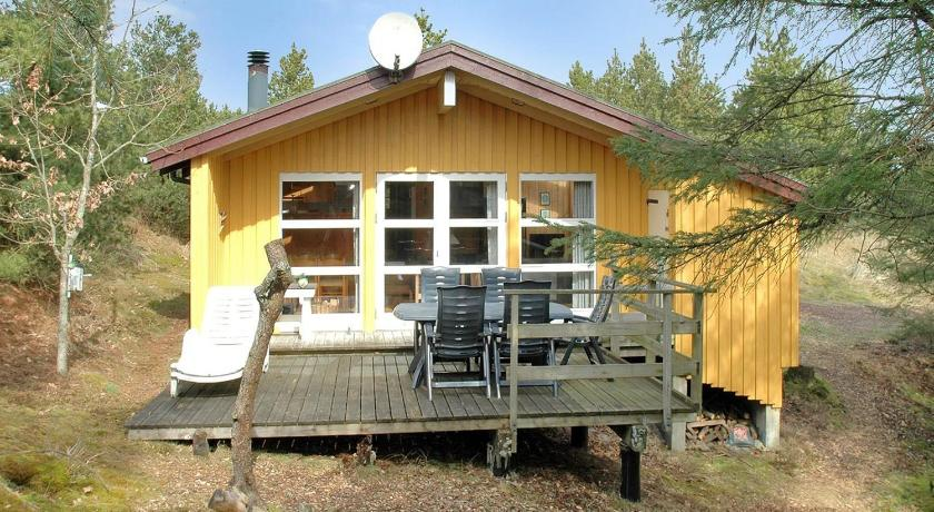 Two-Bedroom Holiday Home Uglevej 09