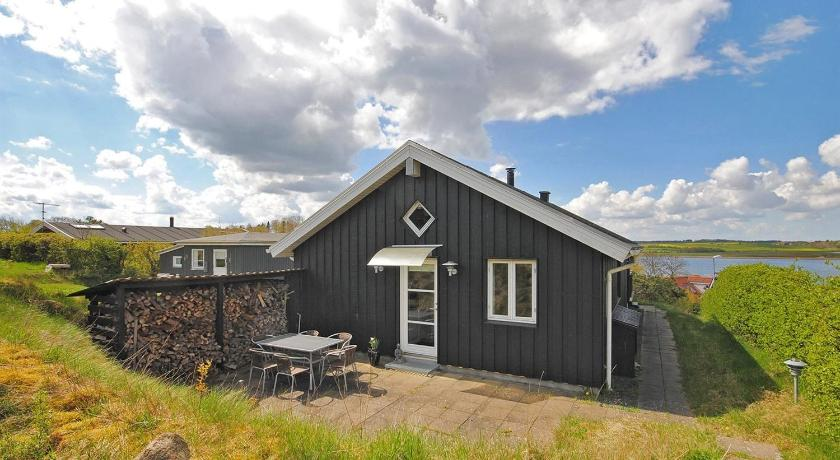 Three-Bedroom Holiday Home Nørresiden 03