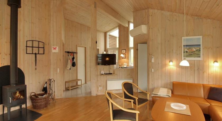 Four-Bedroom Holiday Home Skovkanten with a Sauna 06