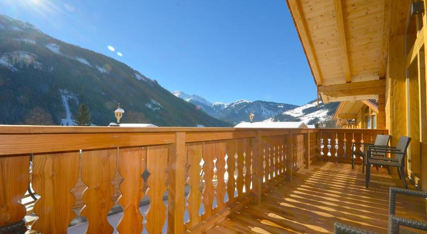 See all 24 photos Chalet 5 Vogelbeere by Alpen Apartments