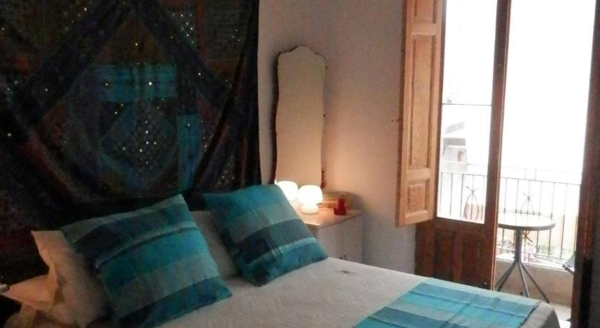 Double Room with Private Bathroom Al Fakhar