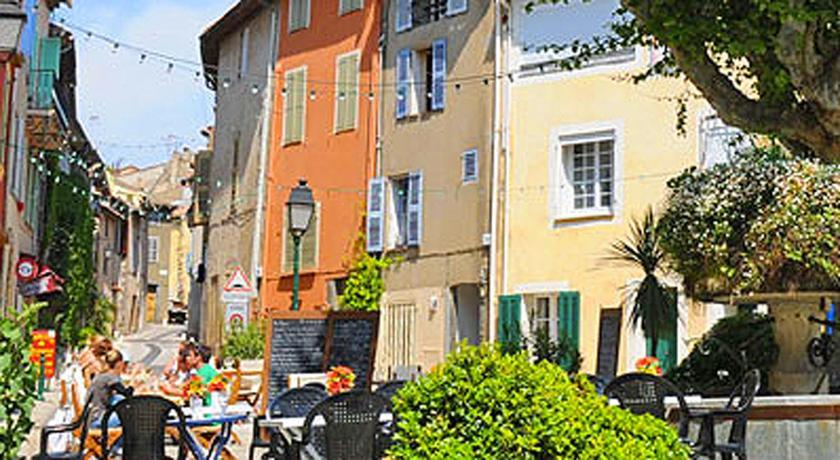 Best price on maison de d coratrice d 39 int rieur in cogolin for Decoratrice interieur