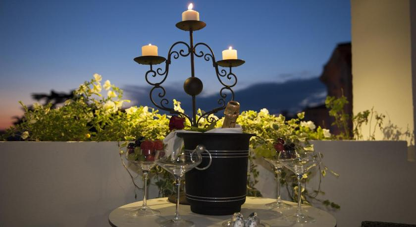 Best Price on Terrazza Marco Antonio Luxury Suite in Rome + Reviews!