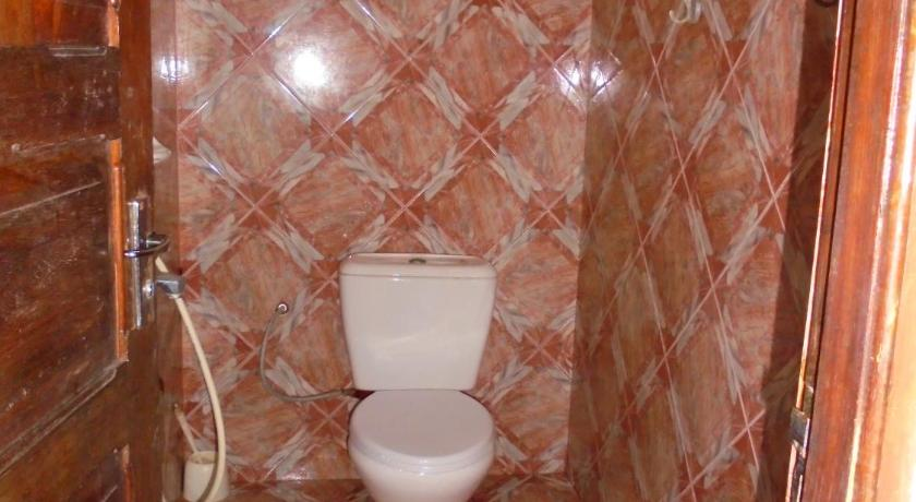 Double or Twin Room - Bathroom H & H Beach Bungalow