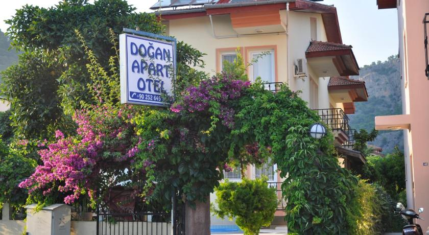 Apartment (3 Adults) - Entrance Dogan Apart Hotel
