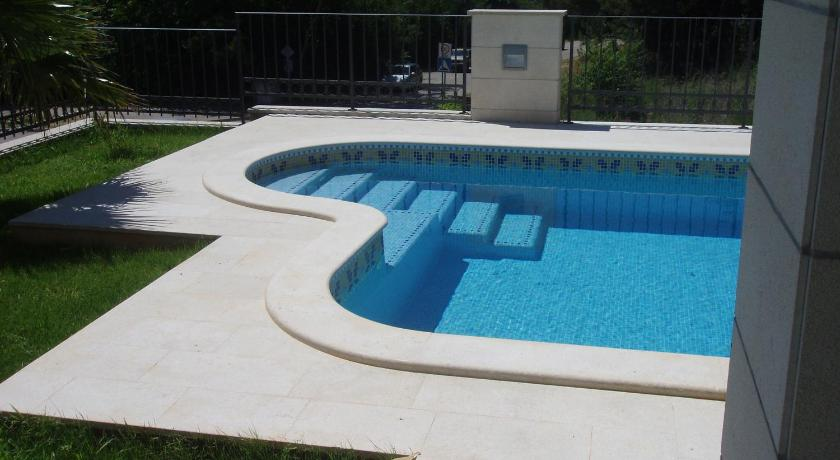 Swimming pool Apartments Lumare