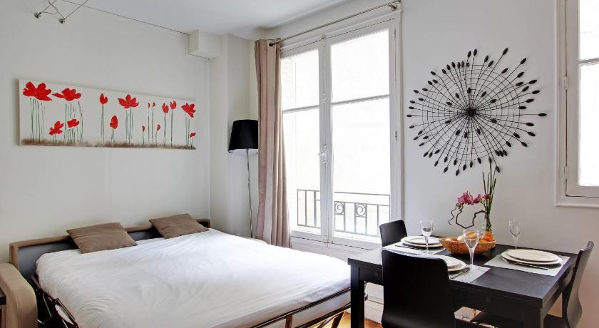 Parisian Home - Appartements Champs Elysées - Monceau 17th