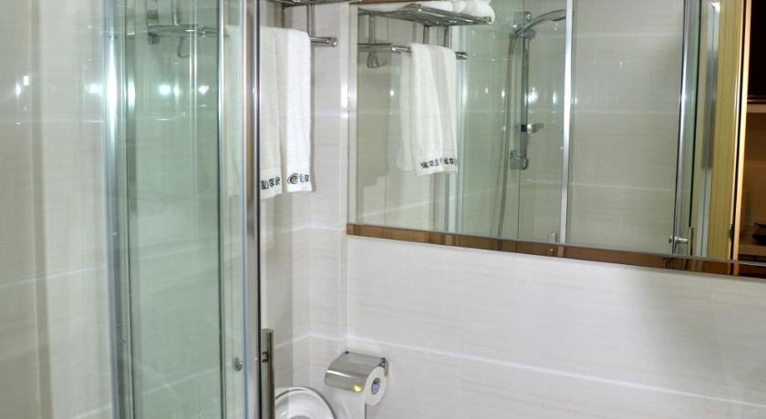 Bathroom Private Enjoy Home Apartment - Shiqiao Metro Station
