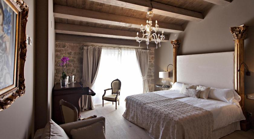 La Vella Farga Hotel 41