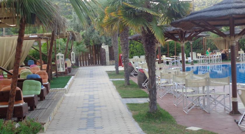 Best Price On Angela Hotel In Aegina Reviews