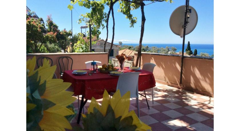 Two-Bedroom Apartment with Sea View Casa Sele