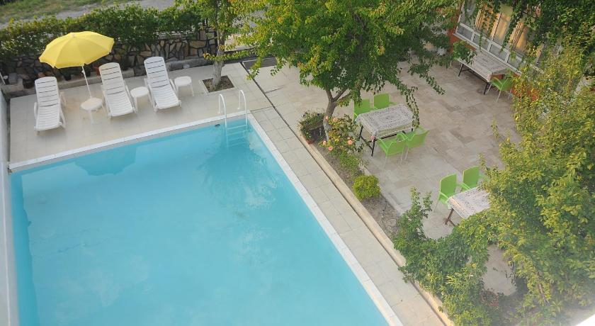 Swimming pool Beyaz Kale Hotel