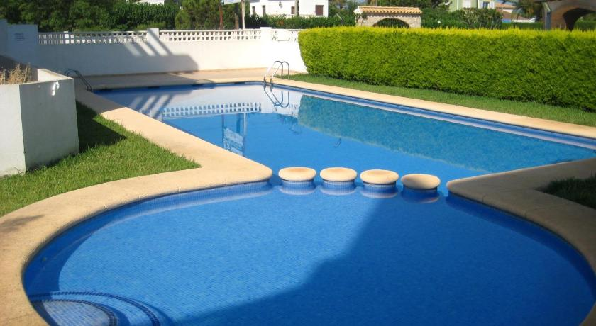 Swimming pool Apartamentos H3 Belman Playa