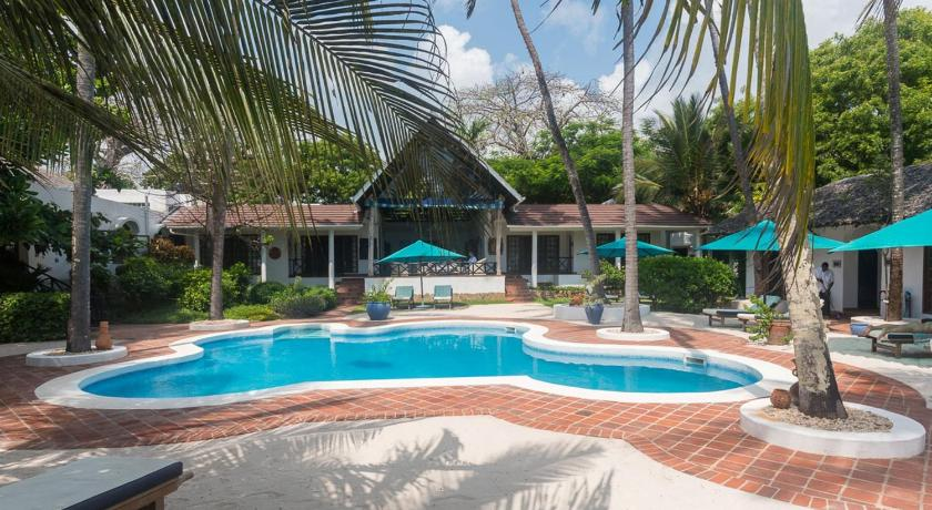Swimming pool Diani Blue