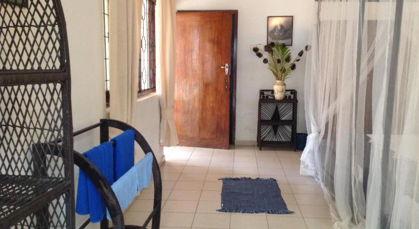 Holiday Home - Guestroom Kia Ora Beach Bungalow