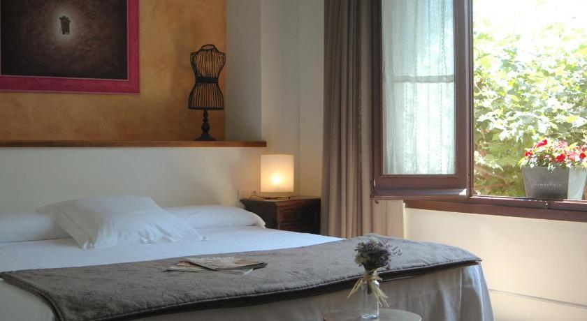 hoteles con encanto en cabrils  25