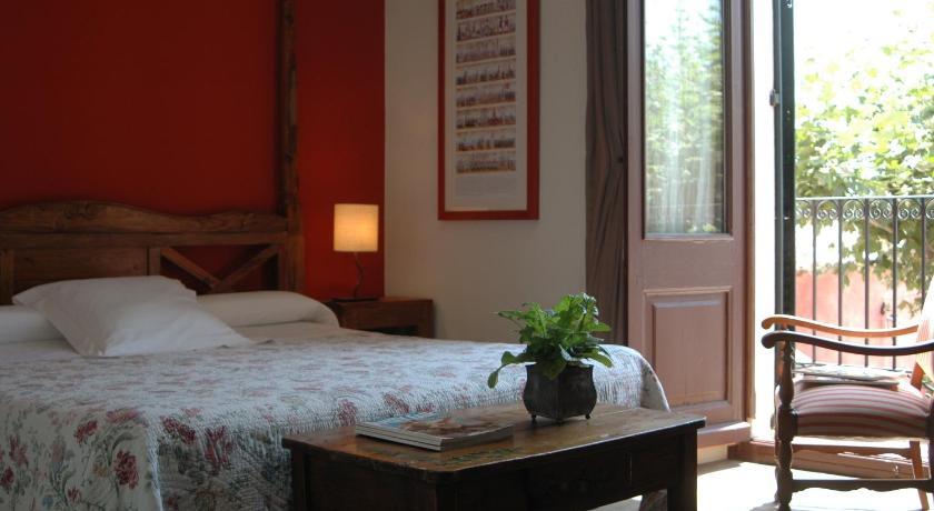 hoteles con encanto en cabrils  26