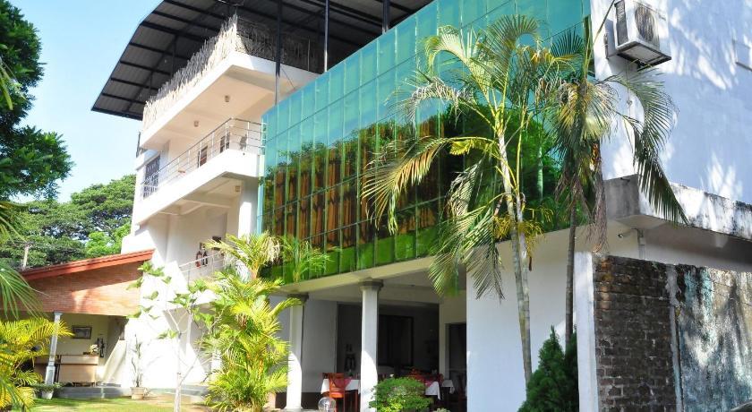 Siyanco Holiday Resort | Sri Lanka Budget Hotels