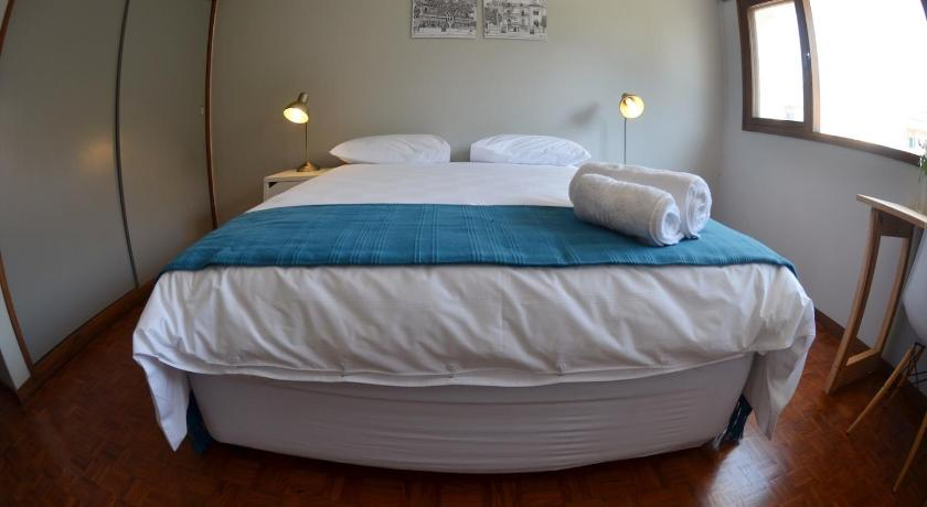 Double Room with Shared Bathroom - Guestroom Guesthouse Lokal
