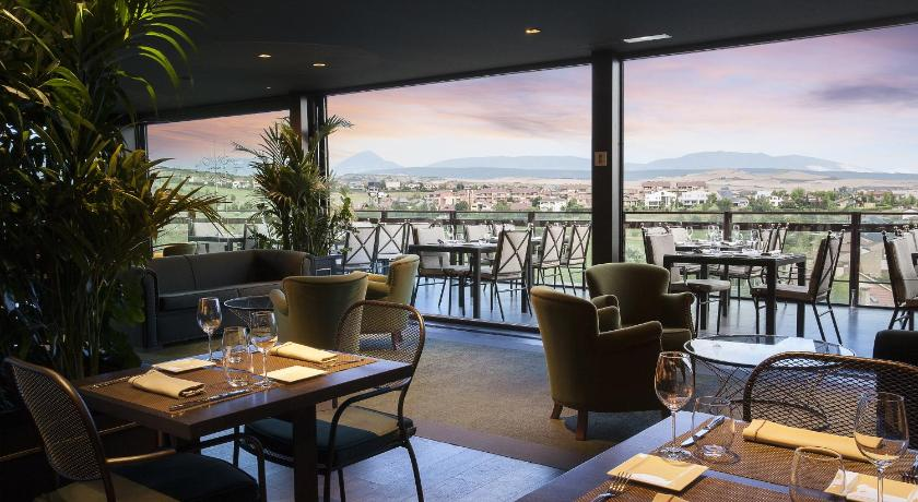 Hotel Castillo de Gorraiz Golf & Spa 18