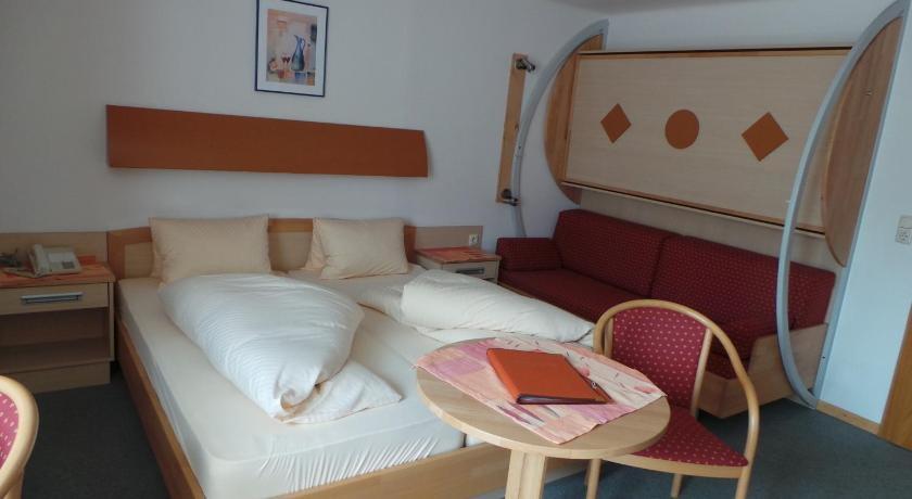 Double Room with Balcony - Bed Hotel Hörlgut