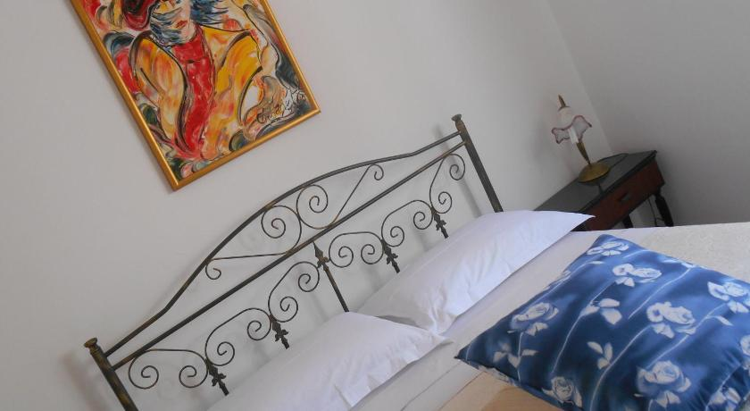More about B&B Lezzi Avantgarde