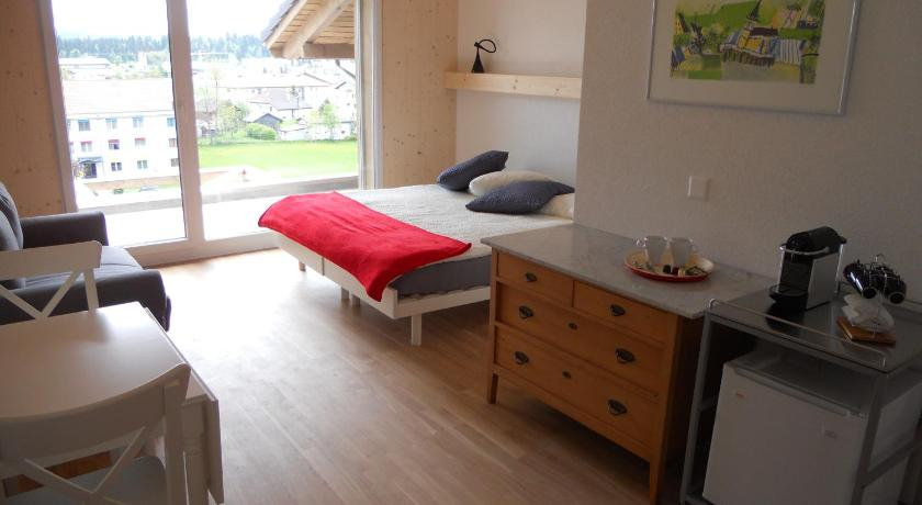 Double or Twin Room with Balcony - Guestroom Gîte Chez Toinette