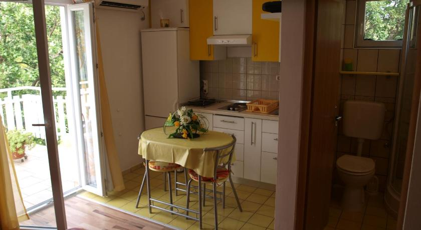 Studio Apartment Mala Paklenica