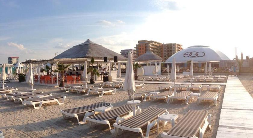 Beach Mamaia Summer Lake View Apartment