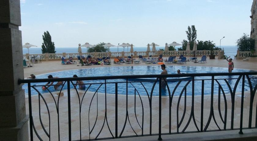 Piscina Galina Apartment Cabacum Beach