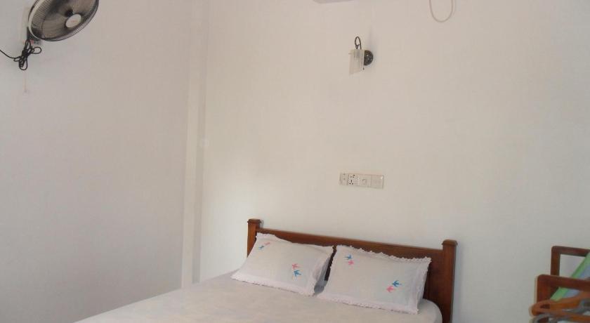 Pearl - Mirissa Hotel | Sri Lanka Budget Hotels