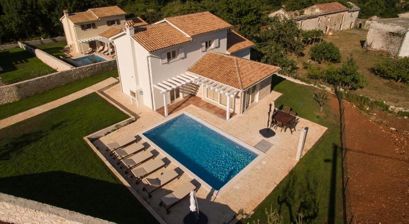 Swimming pool Villas Adagio