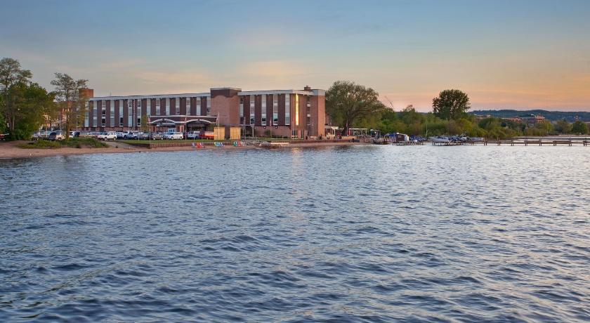 West Bay Beach Resort Traverse City
