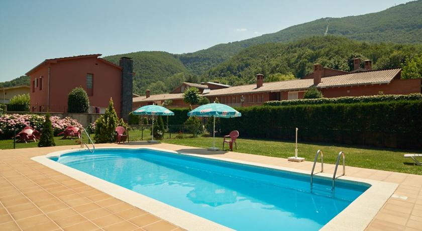 Swimming pool Fonda Finet