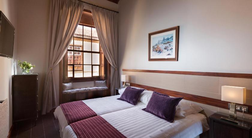 hoteles con encanto en la laguna  15