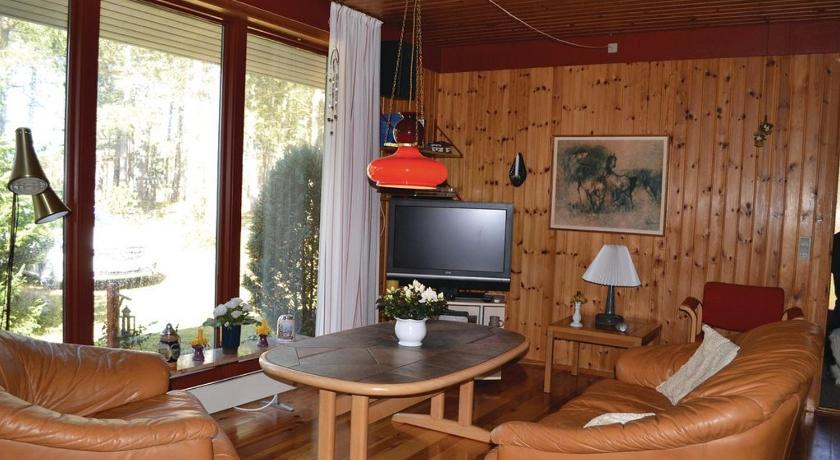 See all 25 photos Three-Bedroom Holiday home Store Fuglede with a Fireplace 02