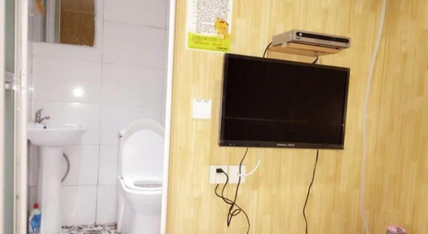 Single Room with Shared Toilet Qingdao Jiaxin Youth Hotel