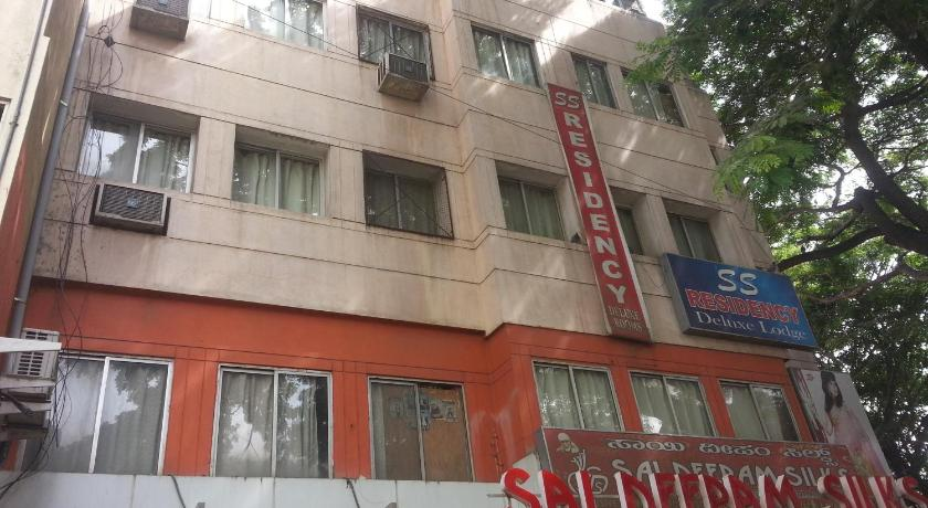 Bed in 4-Bed Male Dormitory Room - Exterior view S S Residency Sr Nagar Banglore