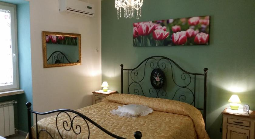 Quadruple Room with Shared Bathroom B&B Santantonio
