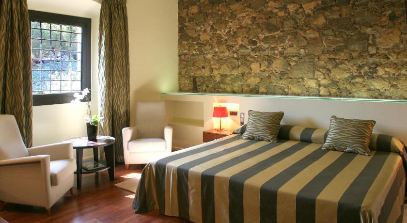 Hotel Castell de L'Oliver 7