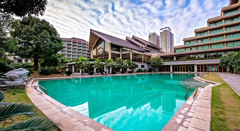 Piscina Linyin Holiday Hotel